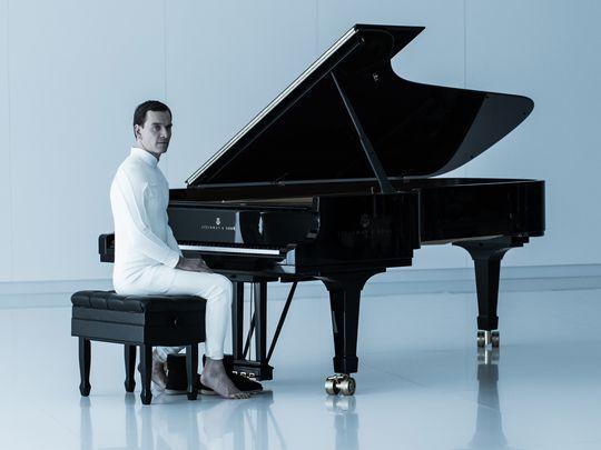 fassbender-piano